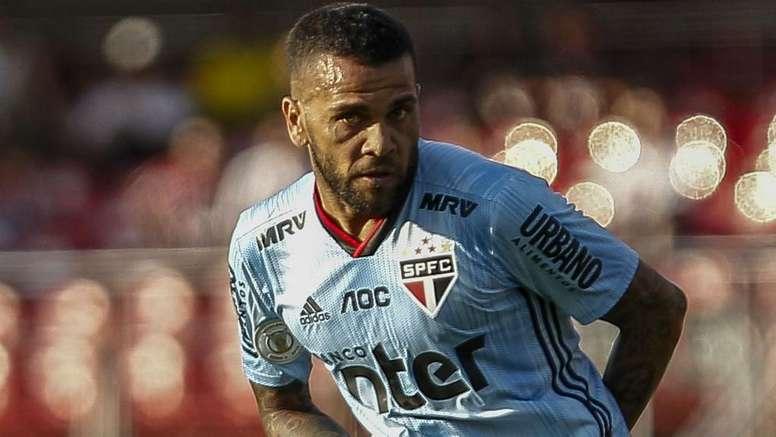 Daniel Alves estreia com gol pelo São Paulo. Goal