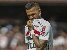 Daniel Alves é dúvida no São Paulo contra o Cruzeiro. Goal