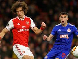 Arsenal cai na Europa League e torcida se revolta com David Luiz
