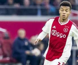 Ajax pede 50 milhões de euros para negociar David Neres.