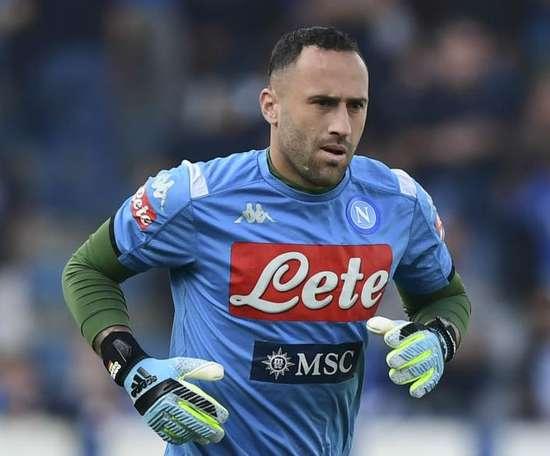 Il Mattino: Coronavirus, nessun permesso per il Napoli: Ospina bloccato dal club