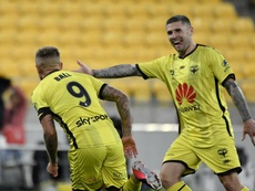 A-League Review: Phoenix and Jets ease to victories. GOAL