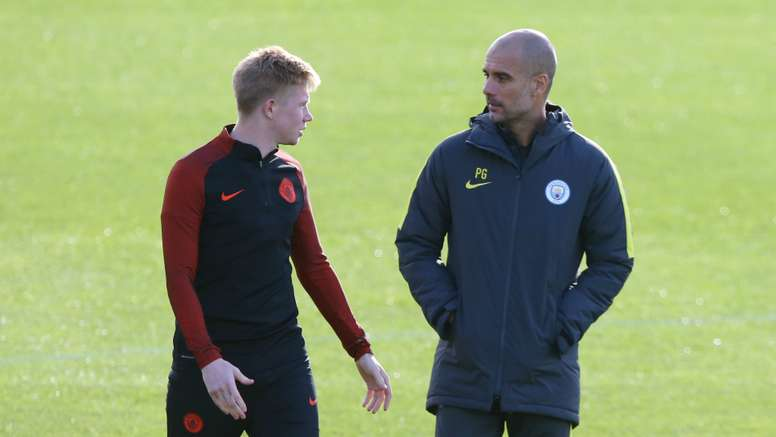 De Bruyne talking to Guardiola. Goal