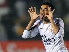 Dentinho e Alex Teixeira? Corinthians 'pé no chão' de Duílio frustra sonhos imediatos da torcida