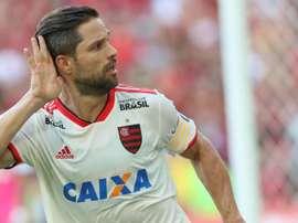 Bem do Flamengo é mais importante que minha titularidade, diz o meia Diego