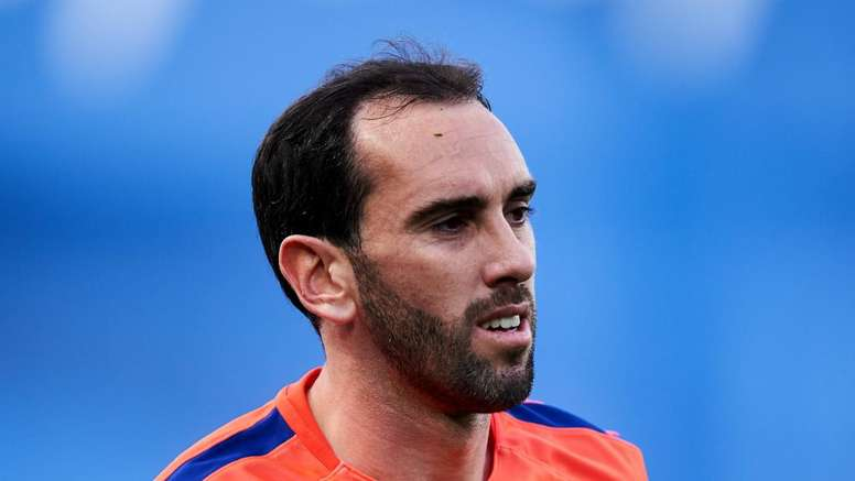 Godin misses Atletico training with thigh injury. GOAL