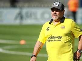 Allarme Maradona: 'Non ha più cartilagine alle ginocchia'