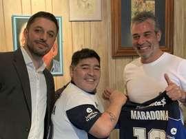 Maradona presentato dal Gimnasia. Goal
