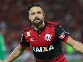 Flamengo vive dilema entre renovar com ou não com Diego. Goal