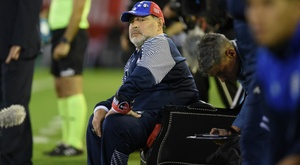 Maradona reveals Newell's dream after watching Gimnasia win from pitch-side throne