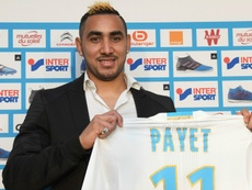 Dimitri Payet posing with his Marseille jersey. Goal