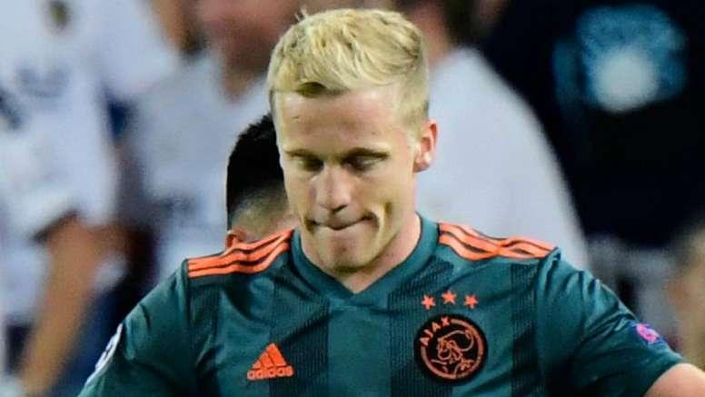 Meia do Ajax acirra disputa Real x Barça. Goal