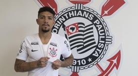 Corinthians anuncia contratação de Douglas, ex-Fluminense. Goal
