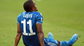 Douglas Costa salta l'Atletico Madrid. Goal