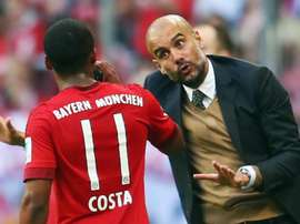 La question bizarre de Guardiola à Douglas Costa. Goal