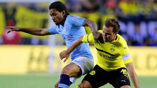 O destino de Douglas pode ser mesmo o futebol português. Goal