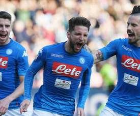 Mertens sends Napoli back to top. Goal