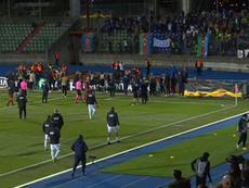 Dudelange-Qarabag interrompu à cause d'un drapeau descendu en drone sur la pelouse. AFP