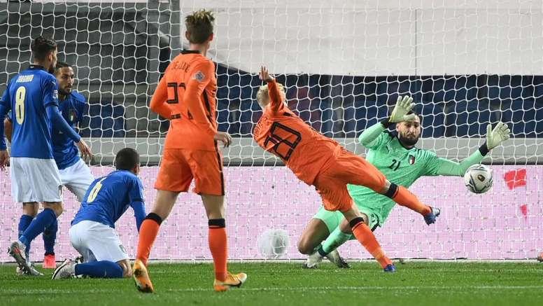 Donny van de Beek helped the Netherlands get a 1-1 draw versus Italy. GOAL