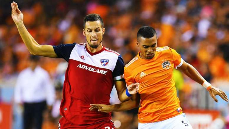 Dynamo were able to hold Dallas to a late draw. GOAL