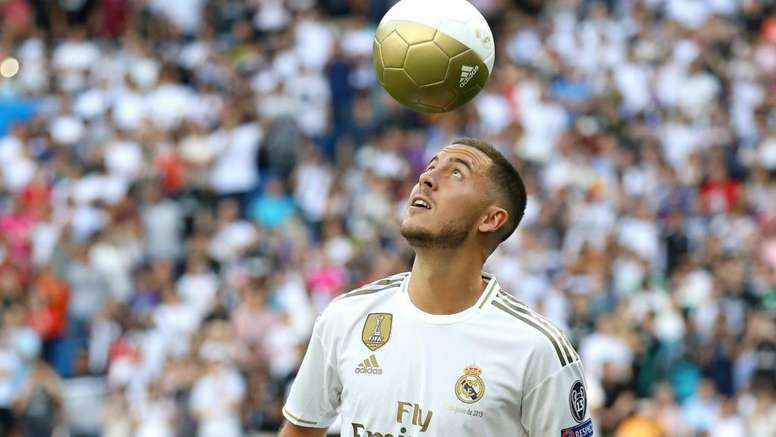 Eden Hazard. GOAL