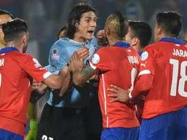 Chile e Uruguai se enfrentam disputando liderança no Maracanã. Goal
