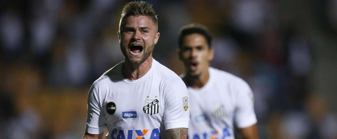 Copa Libertadores Review: Gabriel sent off as Sasha leads Santos