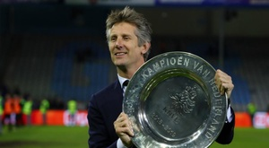 Van der Sar focused on Ajax amid continued Manchester United speculation