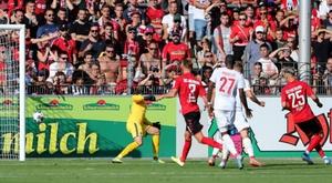 Ellyes Skhiri réussit ses débuts en Bundesliga. Goal