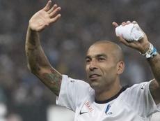 Jadson, em forma, joga em qualquer time do Brasil, diz Emerson Sheik. Goal