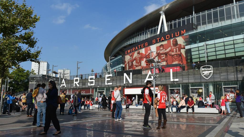 PSG : Emirates signe un contrat record avec Arsenal en attendant Paris