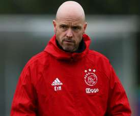 Tadic hails 'important' Ten Hag as Ajax boss expects to stay.