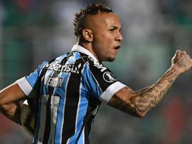 Cebolinha fala em tom de despedda do Grêmio e se emociona