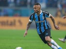 Oferta do Atlético de Madrid agrada, e Grêmio pode negociar Everton. Goal