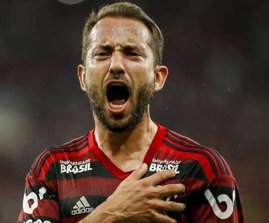 Everton Ribeiro, crucial no melhor ataque do Brasil.GOAL
