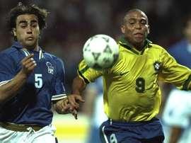 Cannavaro à la lutte contre Ronaldo. Goal
