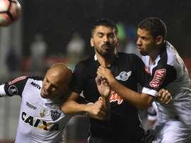 Fabio Santos Santiago Salcedo Gabriel Libertad Atletico-MG Copa Libertadores 19042017