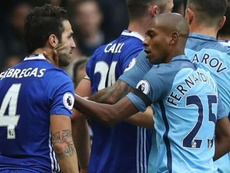 Fabrega and Fernandinho in a fight. Goal