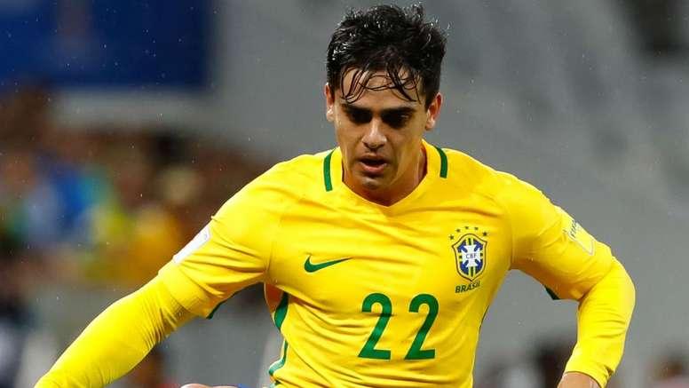 Fagner e Filipe Luís conseguiram manter segurança do sistema defensivo do Brasil