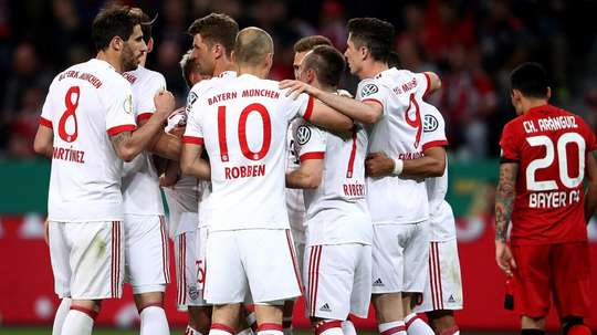 Bayern se classifica e segue em busca da tríplice coroa. Goal