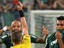 Felipe Melo ficou menos de 5 minutos dentro de campo. Goal