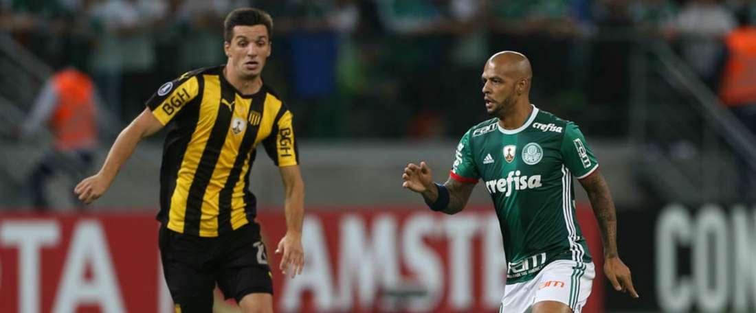 Felipe Melo revelou ter sido alvo de insultos racistas proferidos por Gastón Rodríguez. Goal