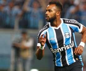 Fernandinho foi um dos que brilhou na goleada do Grêmio. Goal