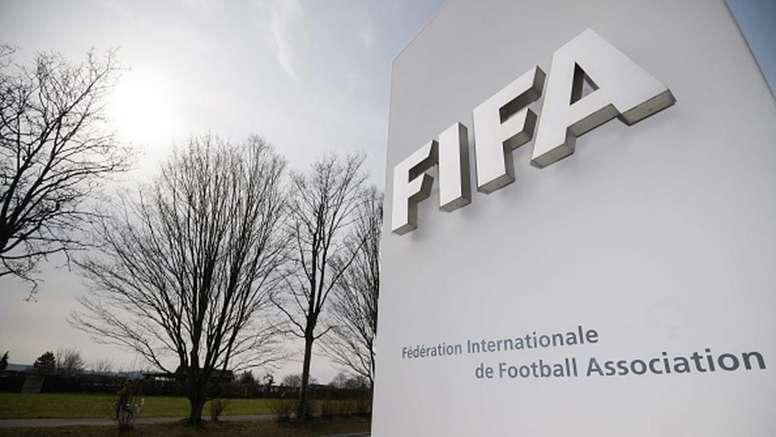 Fifa quer limitar número de jogadores emprestados e mudar janela de transferências