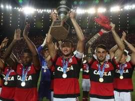 Réver brinca com Dourado e revela a única coisa que não pode entrar no Flamengo