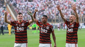 Flamengo add league to Copa crown