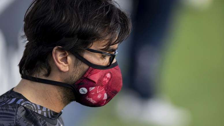Le coronavirus va coûter plusieurs milliards d'euros aux clubs. GOAL