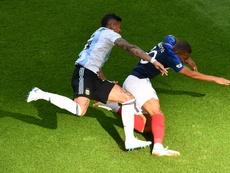 A defesa do Uruguai promete ser o um grande desafio para o poderoso ataque francês. Goal