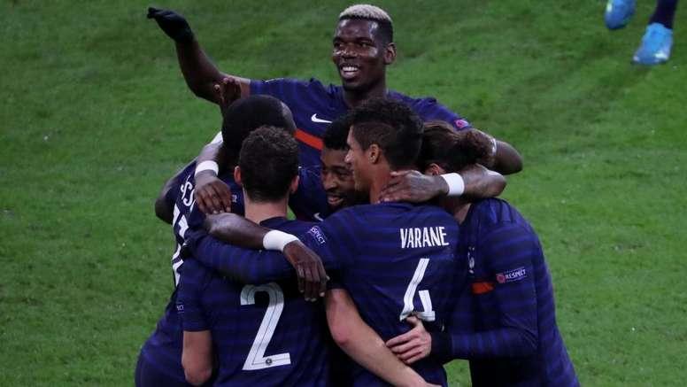 Deschamps hopes Pogba gets boost from France on Man Utd return