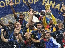 Didier Deschamps mantém a base campeã do mundo. Goal